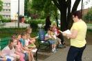 Czytanie przy fontannach z klasami 1